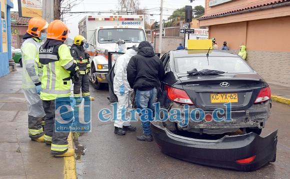 Con daños y un herido leve resultó el taxi colectivo.