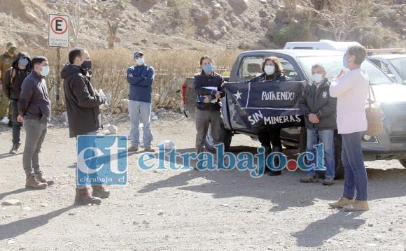 En el sector 'Las Tejas' las autoridades reiteraron a representantes de la Compañía Minera Vizcachitas Holding, su oposición a la instalación de faenas de gran minería en la cordillera de Putaendo.