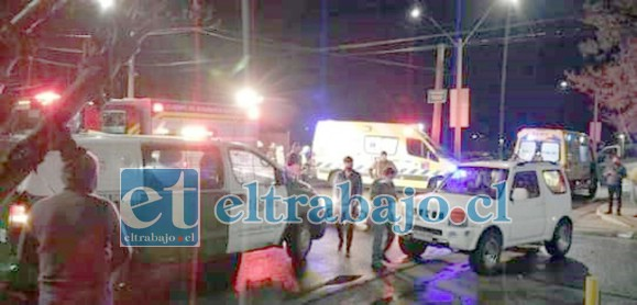 El otro vehículo participante, un Jeep de color blanco, cuyo conductor se quedó en el lugar de los hechos tras el accidente.
