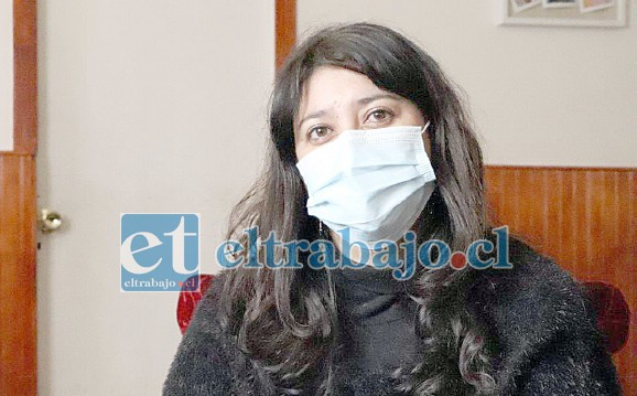 María Teresa Manosalva, sus padres contrajeron el Covid-19 y sólo uno de ellos sobrevivió, por lo que llamó a la comunidad a no exponerse al riesgo.