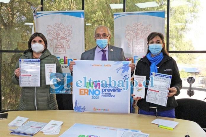 El alcalde Patricio Freire junto a la directora de la Dipma y la encargada de Emergencia, lanzaron la Campaña Municipal de Invierno 2021.