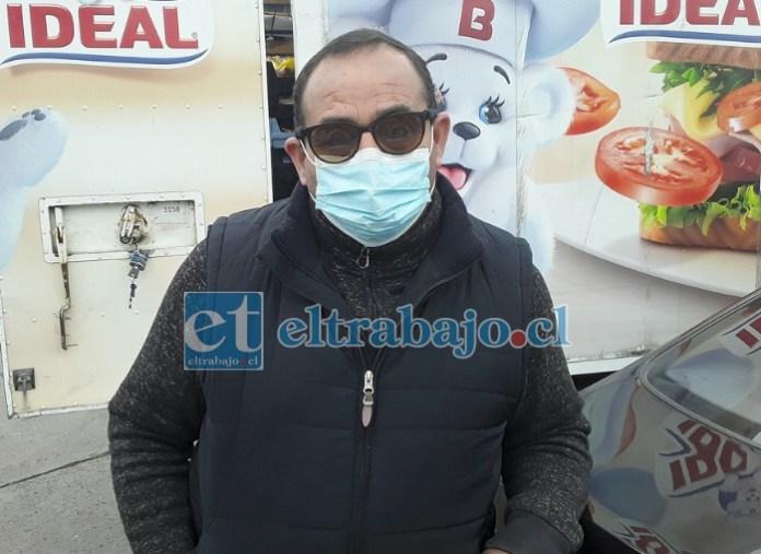 Eduardo Carvallo, locutor de estadio municipal Javier Muñoz Delgado, cuya hija quedó choqueada luego de sorprender a un sujeto en su casa.
