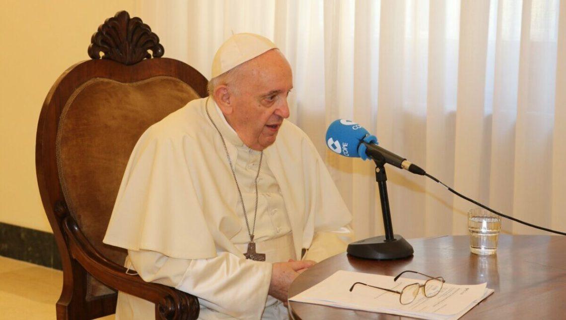 """El Papa Francisco defiende """"el diálogo y la reconciliación"""" entre Cataluña y España - El triangle"""