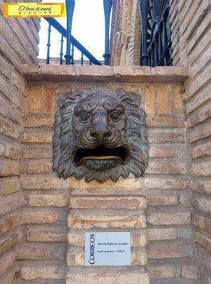 Edificio de Correos en Huesca