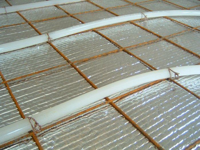 Binder szemes kötődrót - csövek rögzítése betonvashoz, padlón