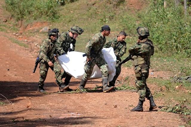 Resultado de imagen para soldado asesinado