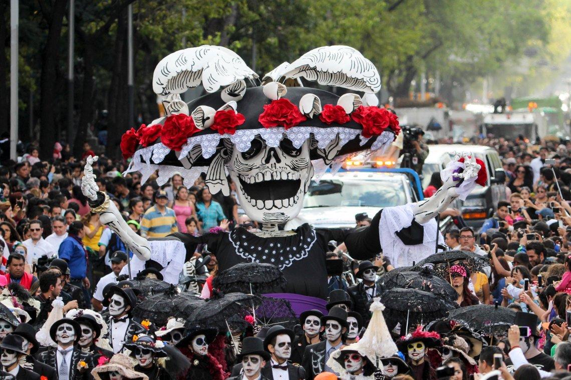 Resultado de imagen para imagen de desfile de dia de muertos