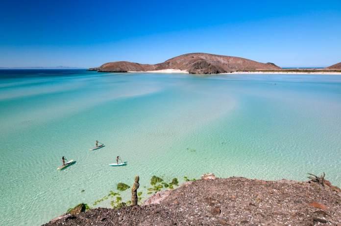 Acampa en una isla mexicana habitada por lobos marinos