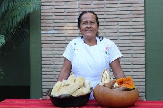 cook_petra_valencia_festival_del_mole_teotitlan_del_valle_oaxaca.jpg