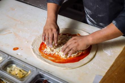 m-pizza_6_0.jpg