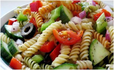 3_ideas_de_pinterest_para_un_rico_lunch_ensalada_y_pasta_.jpg