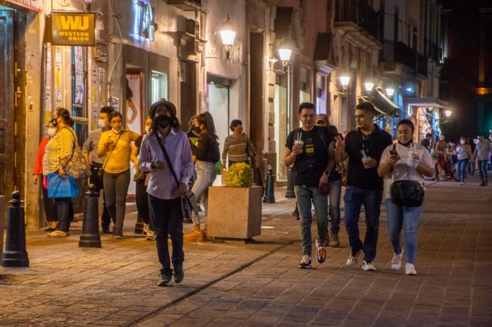 Poco a poco, la vida nocturna en Querétaro regresa a la normalidad |  Querétaro