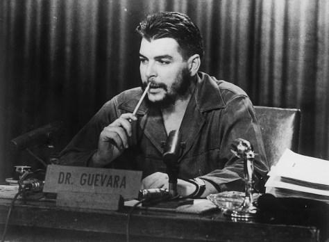 Che Guevara Con su propia cabeza