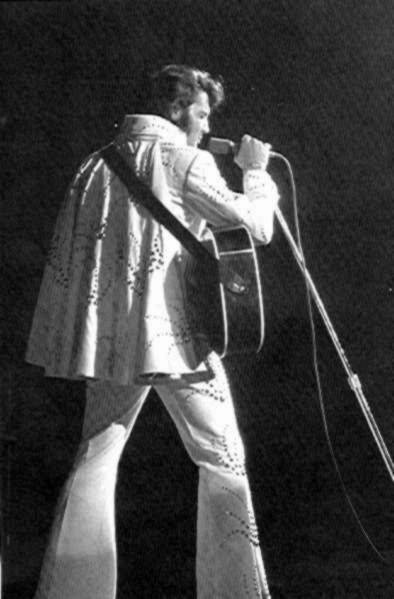https://i1.wp.com/www.elvisconcerts.com/pictures/s72061603.jpg