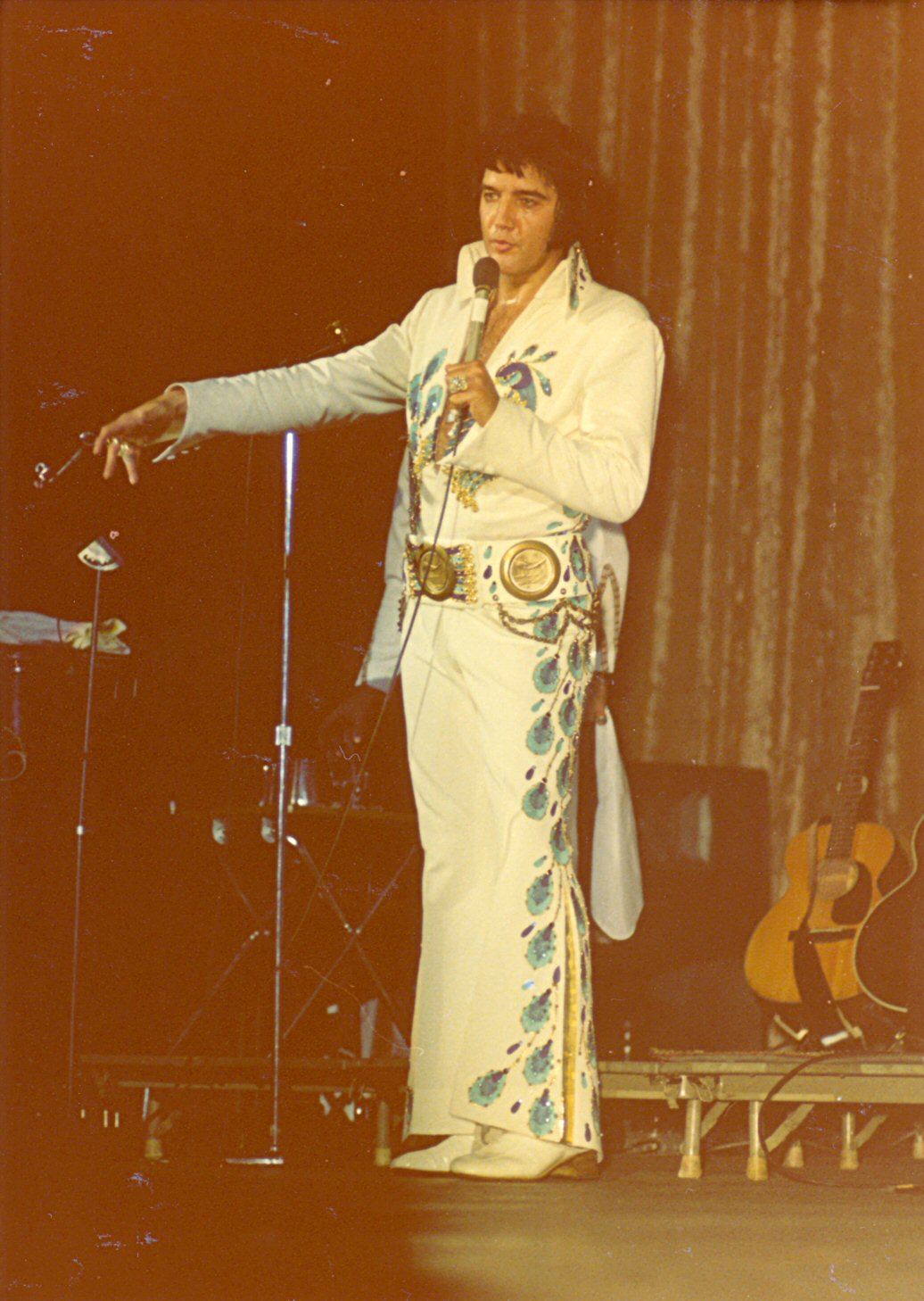 https://i1.wp.com/www.elvisconcerts.com/pictures/s74062102.jpg