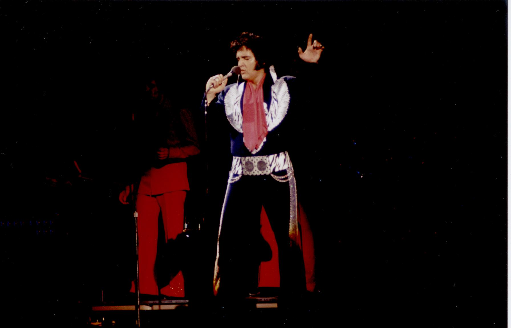 https://i1.wp.com/www.elvisconcerts.com/pictures/s75053004.jpg