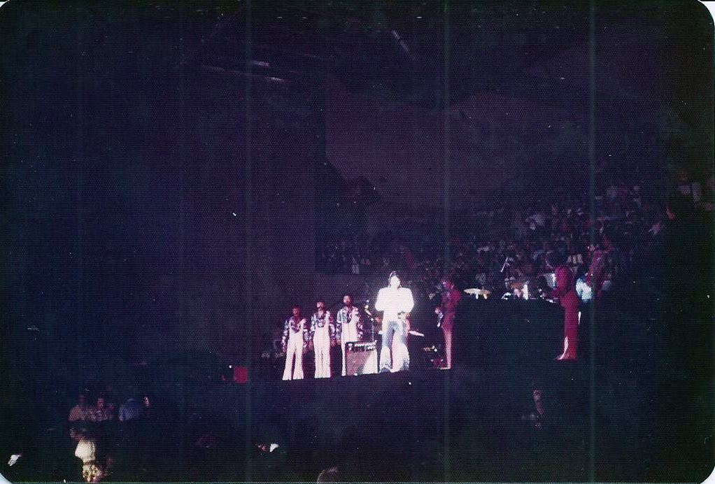 https://i1.wp.com/www.elvisconcerts.com/pictures/s75071601.jpg