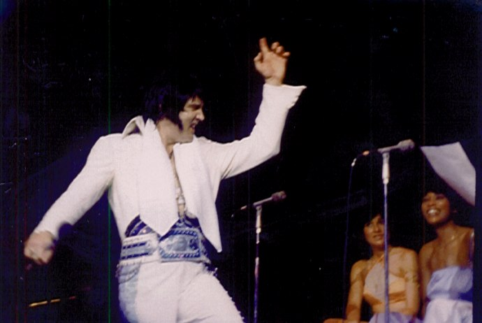 https://i1.wp.com/www.elvisconcerts.com/pictures/s76121003.jpg