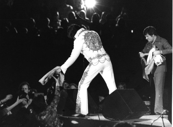 https://i1.wp.com/www.elvisconcerts.com/pictures/s77021702.jpg