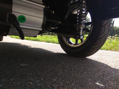 Электро трицикл с кабиной и его двигатель