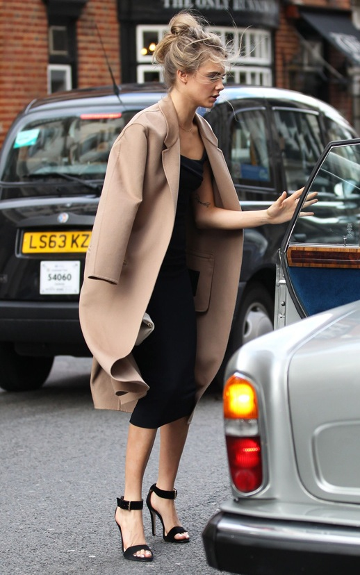Le-Fashion-Blog-Wedding-Look-Cara-Delevingne-Camel-And-Black-Formal-Style-Taxi-1