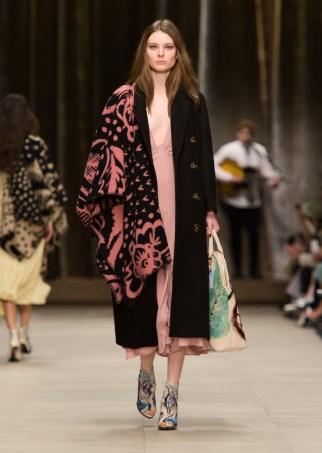burberry_prorsum_womenswear_autumn_winter_2014___look_28_991629312_north_552x