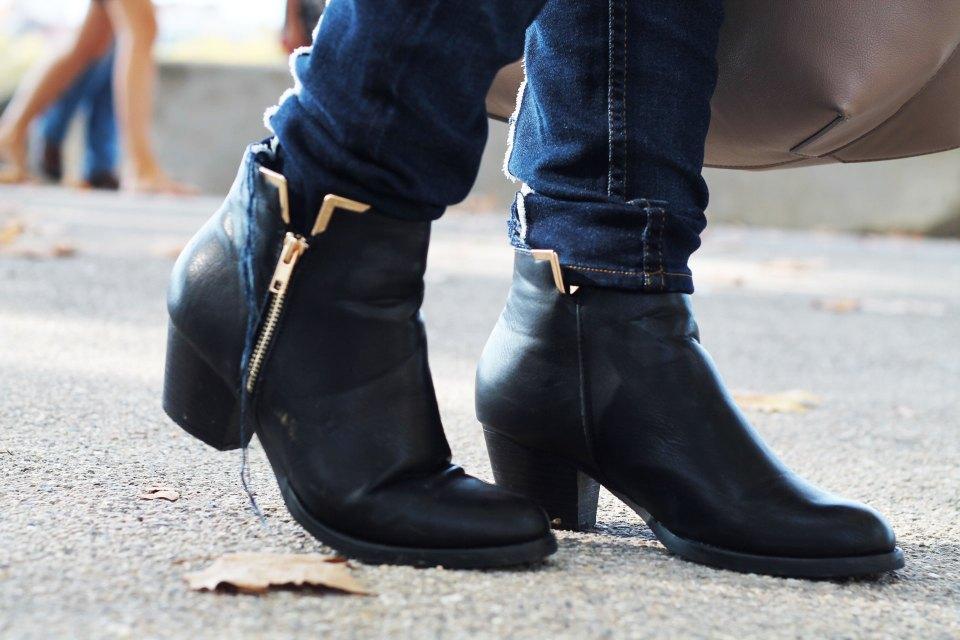 black-boots-modress