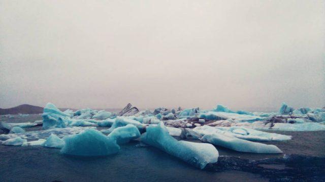 تشكيلات جليدية عملاقة في البحيرة الجليدية Jökulsárlón