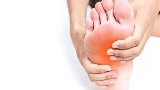 As pessoas com diabetes são muito mais propensas a ter um pé ou uma perna amputados do que as outras pessoas.