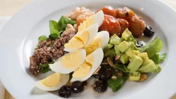 O diabético pode comer ovo todo dia, mas atento aos acompanhamentos.