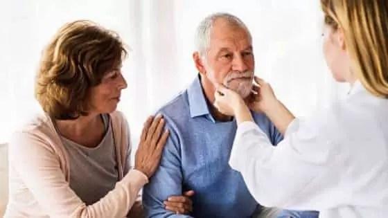 Para diagnosticar a leucemia são feitos exames físicos e laboratoriais