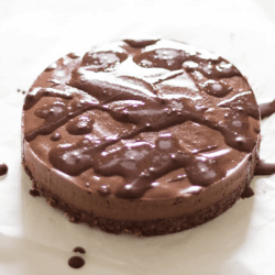 CHEESECAKE AL CIOCCOLATO RAW VEGAN
