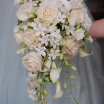 1000 Ideas About Cascading Wedding Bouquets On Emasscraft Org