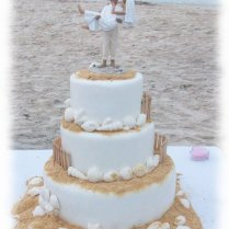 Beach Themed Wedding Cake On Wedding Cakes With 1000 Ideas About