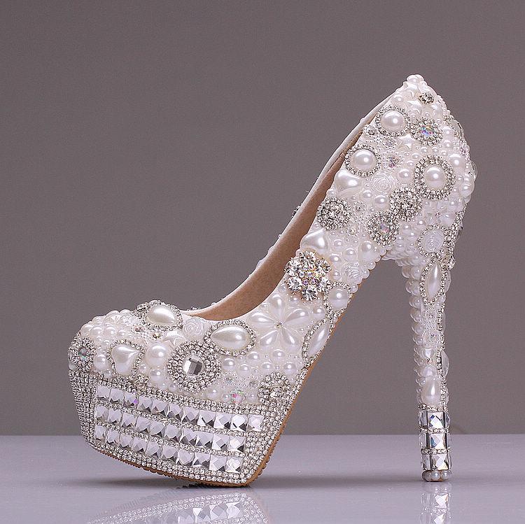 Slipper Stand Designs : Cinderella glass slipper wedding shoes