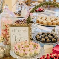 Cupcake Display Ideas For Weddings