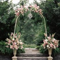 Favorite Outdoor Ceremony Backdrops ✈ Friday's Fab 5