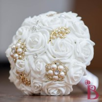 Gold White Brooch Bouquet Md (more Colors)