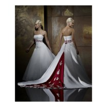 How To Look Chic In Red And White Wedding Dresses
