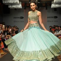 Indian Wedding Outfits From The Runways (7) Trends For Girls