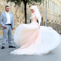 Romantic Sweetheart Neckline Organza Long Muslim Wedding Dresses