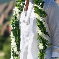 Simple Trick To Perfectly Beautify Hawaiian Wedding Style