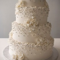 Wedding Cakes With Flowers And Pearls