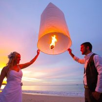 Sky Lanterns From Lantern Co Weddingo Wedding Sky Lanterns