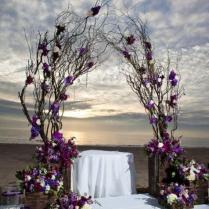 Unique Alternative Ideas For Decorating The Altar For A Wedding