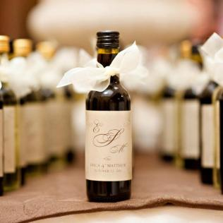 Wedding Favors Lavish Thoughtful Wedding Guests Gifts Design Cool