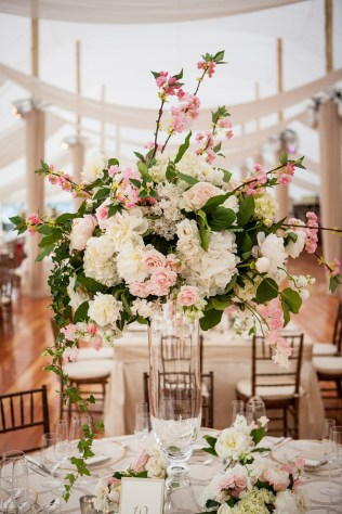 20 Truly Amazing Tall Wedding Centerpiece Ideas