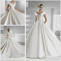 Awesome A Line V Neck Appliqued Wedding Dress With Buttons 1000