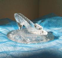 Cinderella Glass Slipper With Oleg Cassini Crystal & Glass Pillow