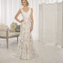 Form Fitting Lace Wedding Dresses